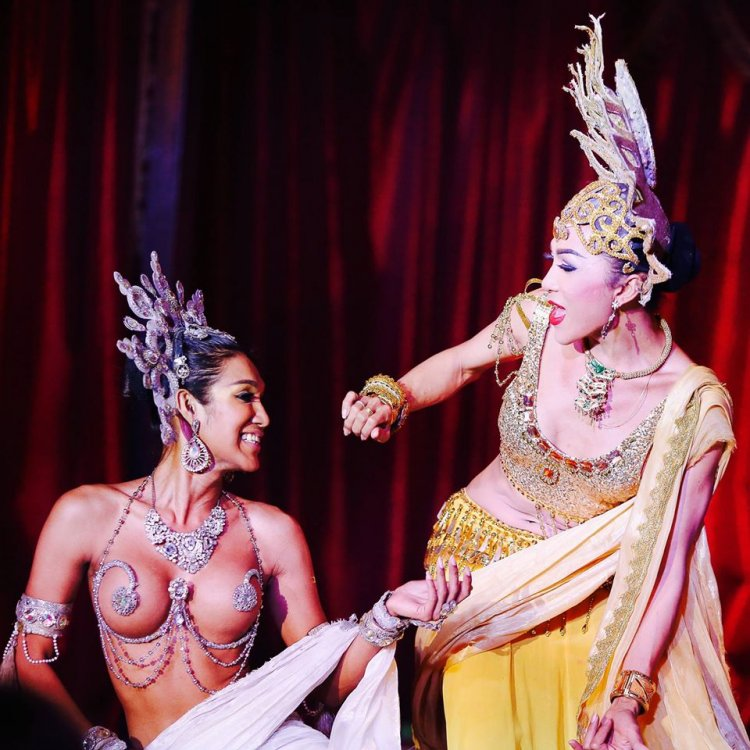 See a amazing ladyboy show
