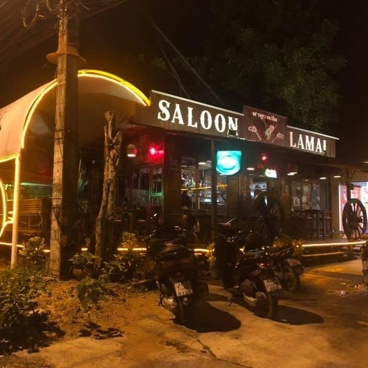 Opening Party Saloon