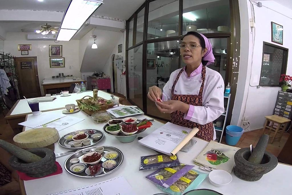 Let's learn how to cook Thai food