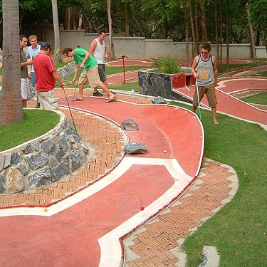 Let's play Jungle Golf