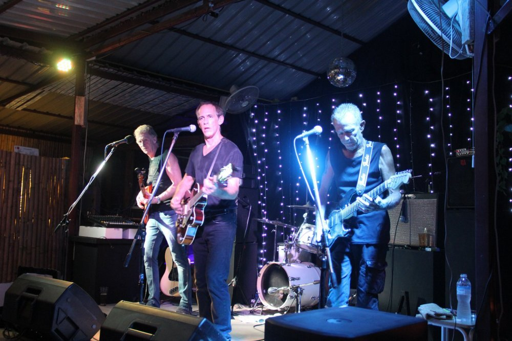 Live Music Evening - RAG LIVE HOUSE with the Samui All Stars