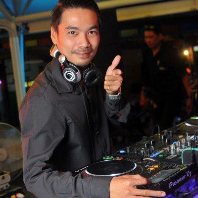 DJ T Ge Cko at Coco Tams