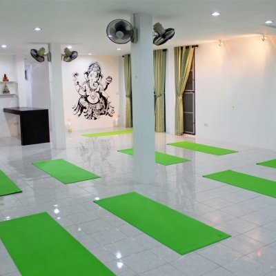 Meditation session, the yoga house and spa, Lamai.