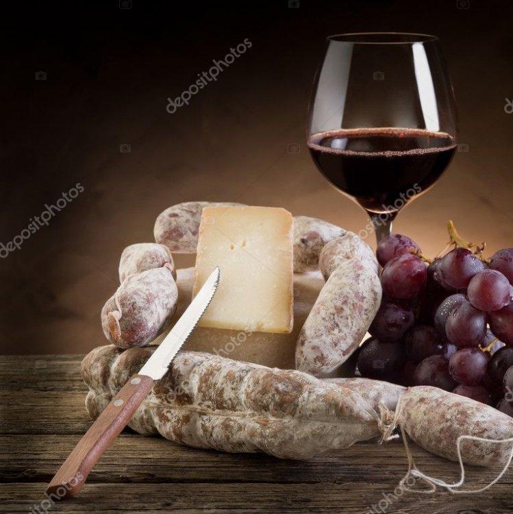 Cheese, Wine & Live Music !