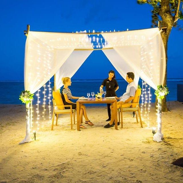 X2 Dinner On The Beach & Under The Star