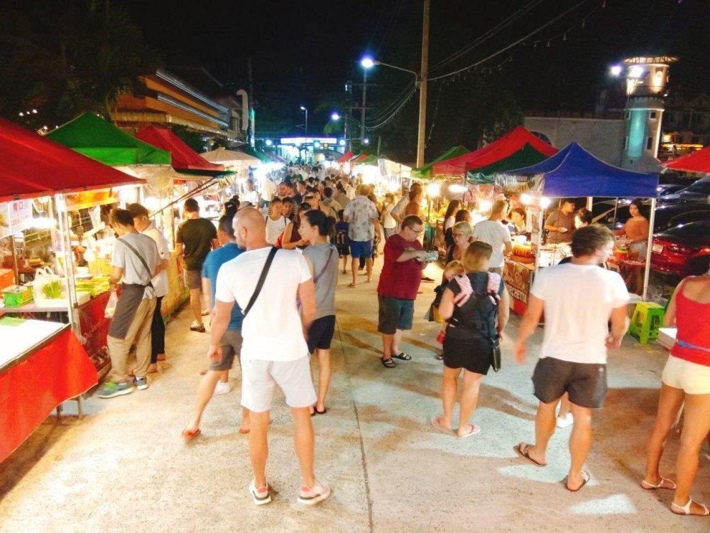 Night Market on Nathon