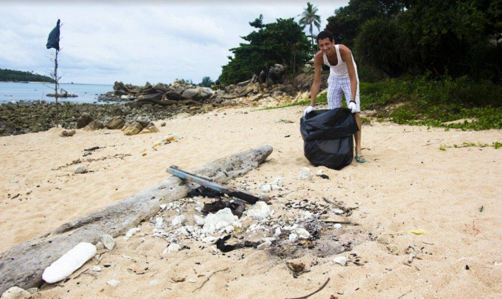 Trash Hero Beach Cleanup