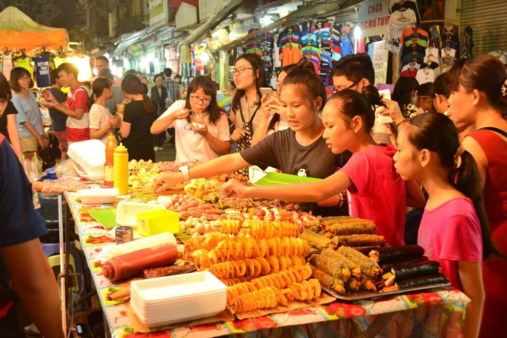 Night Market on Nathon