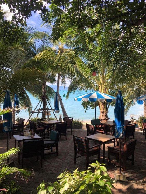 TOH-KIN-KAO by Maenam Resort