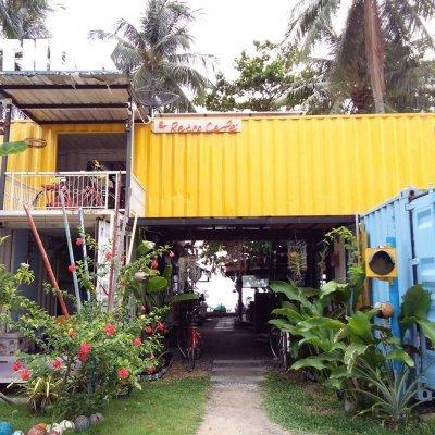 THINK & Retro Cafe' Lipa Noi Samui