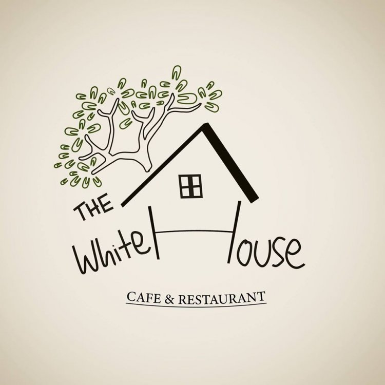 The WHITE HOUSE Café