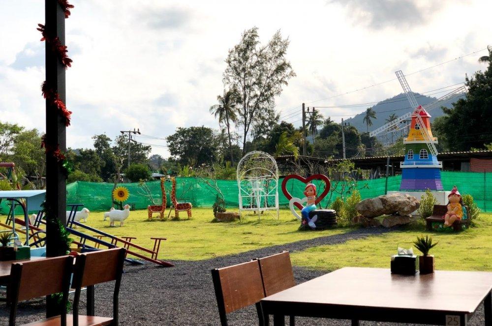 Playground for children at Choeng Mon