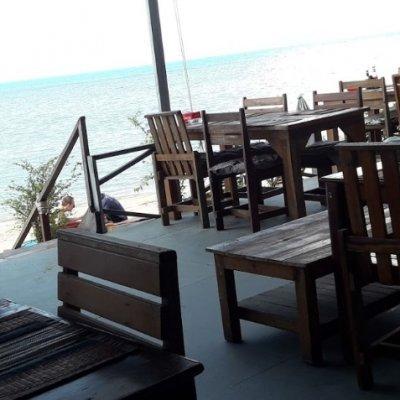 The White Pearl Beach Club & Restaurant in Bangpo
