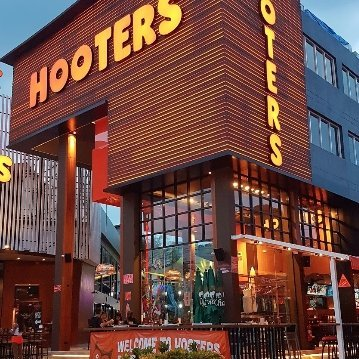 Hooters Samui | American Restaurant & Sports Bar