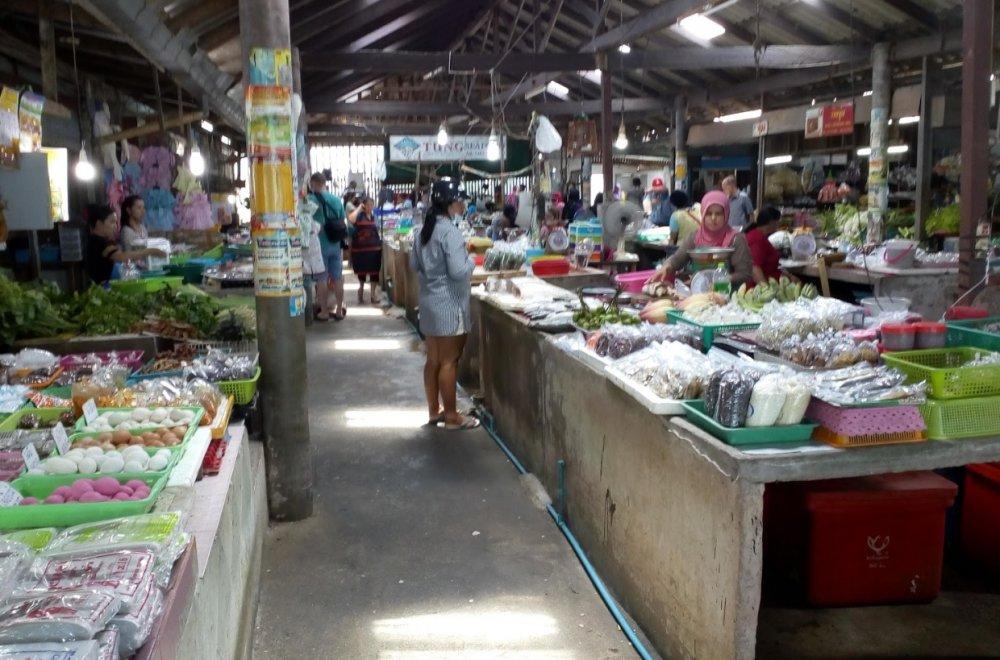 Hua Thanon Wet Market (Muslim market)
