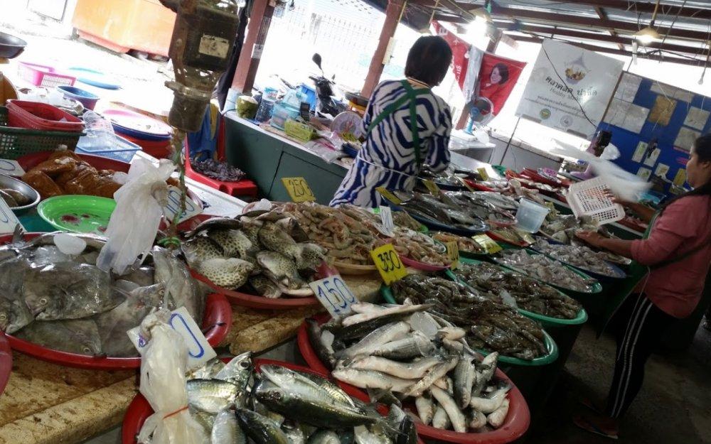 Maenam Afternoon Market